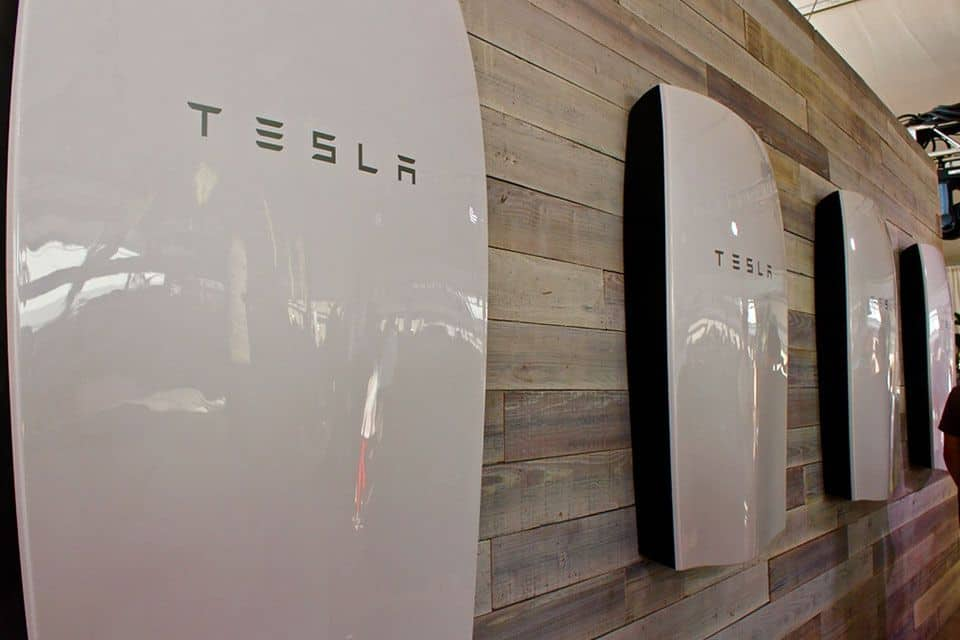 Tesla Wall Battery >> Tesla Powerwall 2 Prices In Australia 2019 Aussie Prices